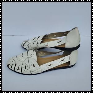 Leather Craft flats leather 9w white